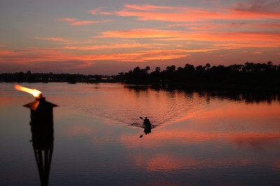 Wes Skiles returns from an evening paddle on the St. Johns River.
