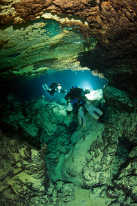 Dr. Tom Iliffe and Paul Heinerth explore Green Bay Cave in Bermuda.