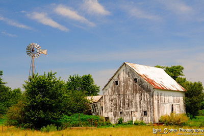 Old barn & Windmill