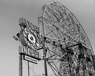 "The ""Wonder Wheel"" in Coney Island, Brooklyn NY"