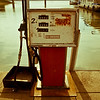 """<div class=""""boxTop""""><h3 id=""""galleryTitle"""" class=""""title notopmargin"""">Antique Gas Pump Series, Lake Shelbyville, Illinois, 2010</h3>"""