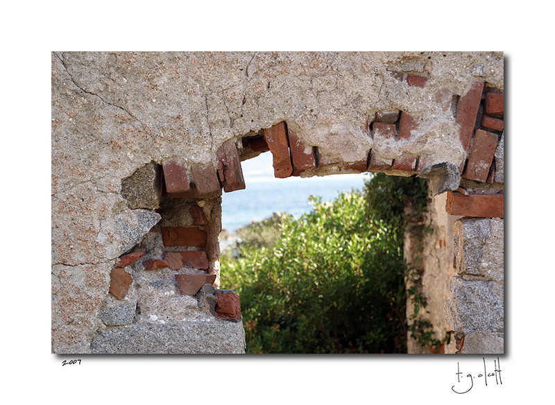 Old Window, La Maddalena