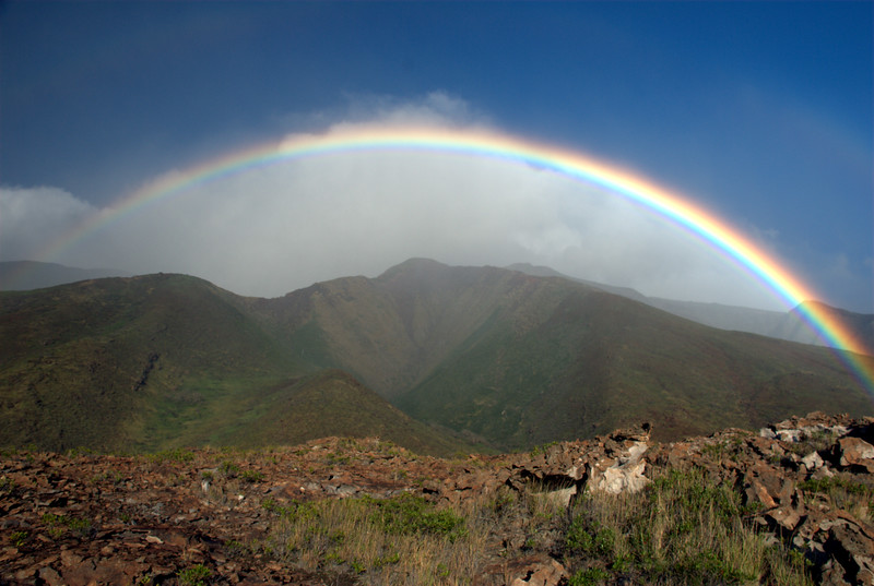 rainbow over west maui mountains