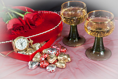 Wine, roses and chocolate - It't time to celebrate with the one you love!