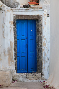 A doorway to a home in the town of Pyrgos, located on Santorini, Greece.