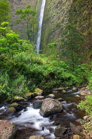 Hi'ilawe Stream and Waterfall