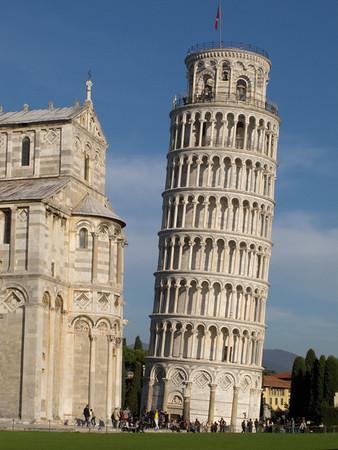 ItalyNov2012 Pisa tower-2185.jpg