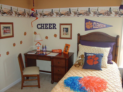 clemson paws and banner