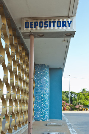 20110708_Retro Signs_Bank Depository-D700