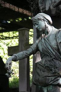 Mantmartre Bronze, Paris XVIII Arrondissement