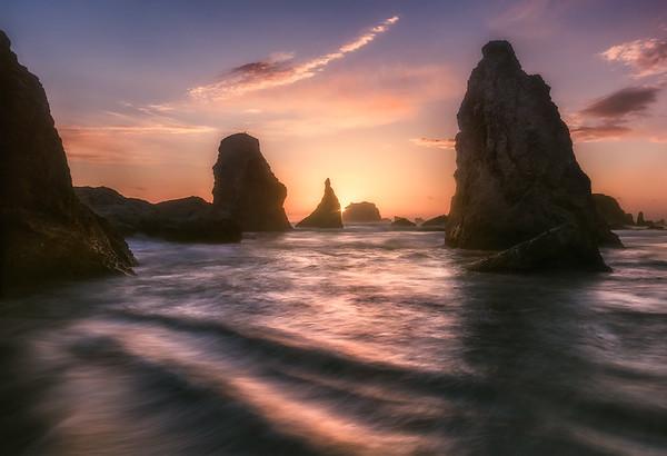 Photo of sunset at Wizards Hat at Bandon Beach, Oregon Coast