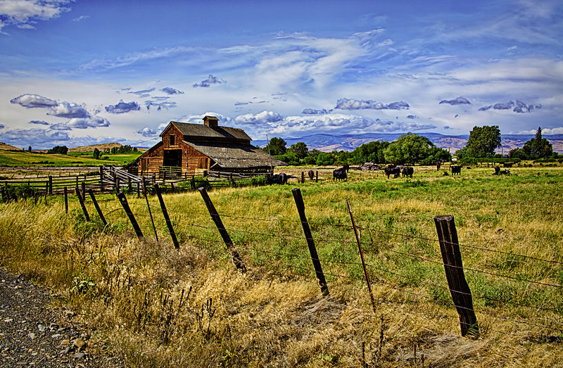"Barn in Ellensburg Washington<br /> <a href=""http://rickwilliamsphotography.blogspot.com/2013/06/ellensburg-washington.html"">http://rickwilliamsphotography.blogspot.com/2013/06/ellensburg-washington.html</a>"