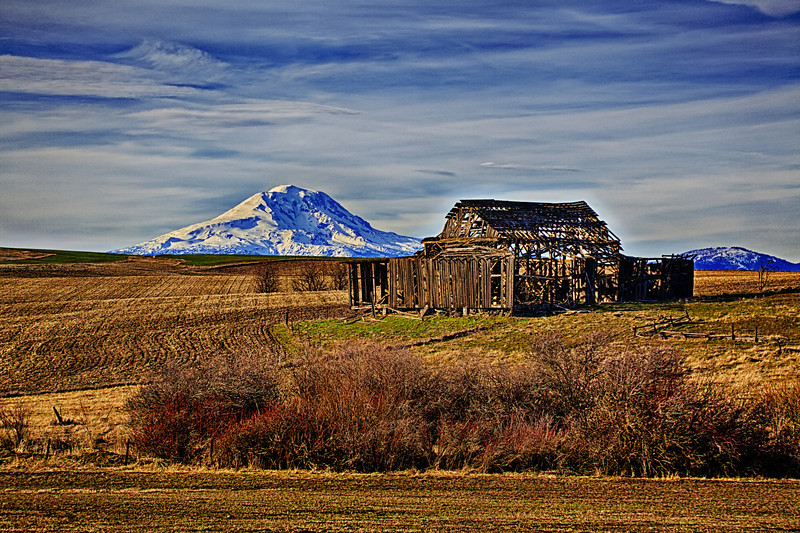 "Old Barn and Mount St. Helens<br /> <a href=""http://rickwilliamsphotography.blogspot.com/2013/02/old-barn-and-mount-st-helens.html"">http://rickwilliamsphotography.blogspot.com/2013/02/old-barn-and-mount-st-helens.html</a>"
