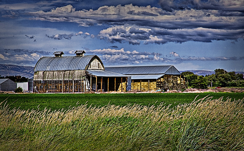 "Barns of Ellensburg Washington<br /> <a href=""http://rickwilliamsphotography.blogspot.com/2012/08/barns-of-ellensburg-washington.html"">http://rickwilliamsphotography.blogspot.com/2012/08/barns-of-ellensburg-washington.html</a>"