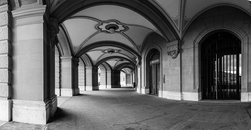 Bern - Bundeshaus Süd-Eingang
