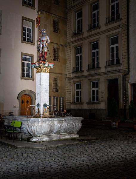 Bern - Rathausplatz (Vennerbrunnen)