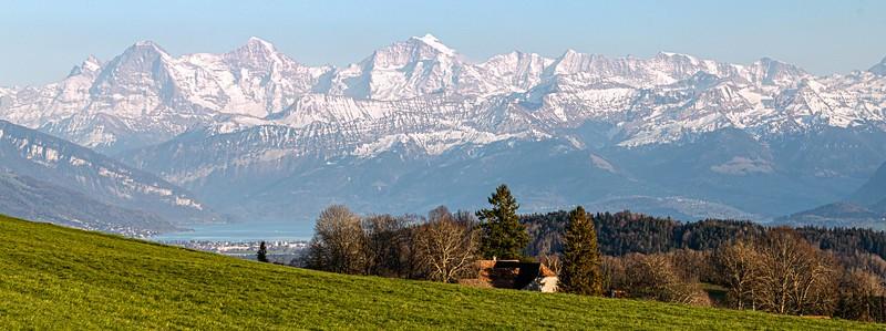 Eiger, Mönch und Jungfrau. Thuner See ob Riggiswald