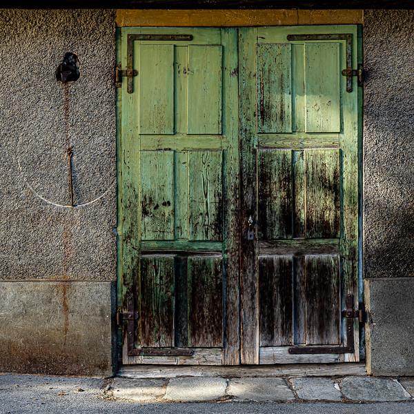 Tür in Ernen - Obergoms/Schweiz