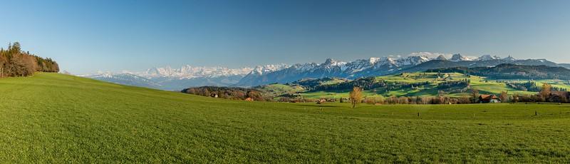 Alpenpanorama ob Riggisberg (high-res bis l=500 cm Druck mit hoher Detailtreue, Nodalpunktaufnahme)