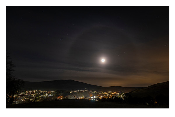 1624_MoonHalo