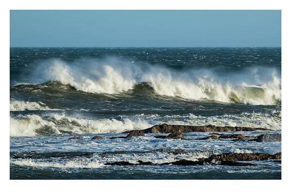 1624_WavesBreaking