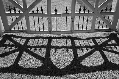 Gate shadow