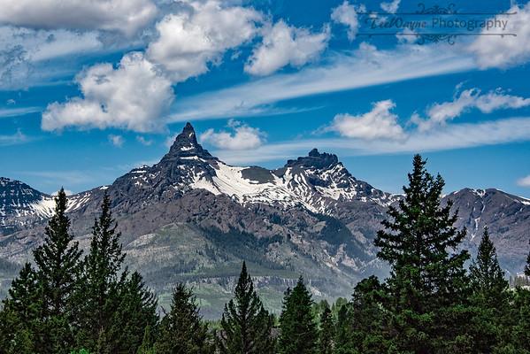 _TD74221-EditPilot-Mountain