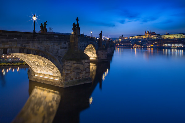 Charles Bridge - Dark side