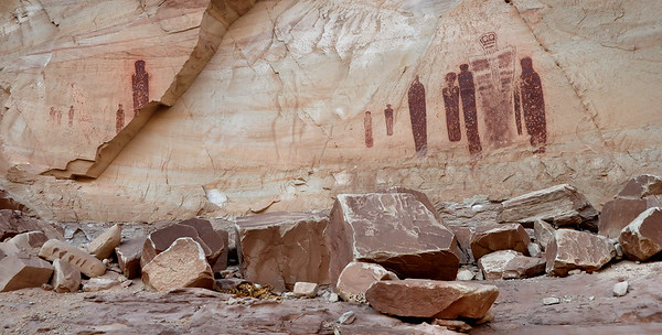 The Great Ghost in Horseshoe Canyon Canyonlands National Park, Utah.  Copyright © 2011 All rights reserved.