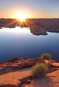 Lake Powell Sunrise (near Hole-in-the-Rock). Glen Canyon National Recreation Area, Utah.  Copyright © 2010 All rights reserved.