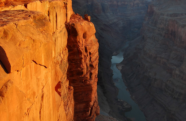 Toroweap Sunrise Grand Canyon National Park, Arizona.  Copyright © 2007 All rights reserved.