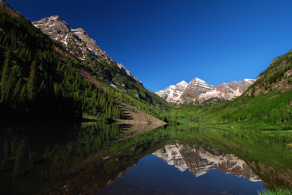 Maroon Bells Aspen, Colorado.  Copyright © 2009 All rights reserved.