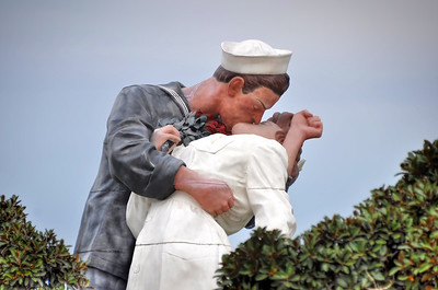 """Unconditional Surrender"" Statue Mole Park, California.  Copyright © 2012 All rights reserved."