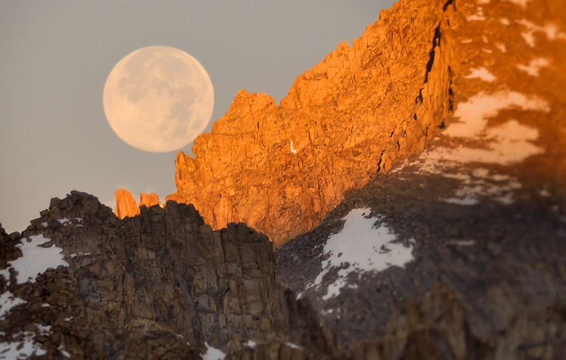Moonset over the Continental Divide<br /> Sequoia National Park, California.<br /> Copyright © 2011<br /> All rights reserved.