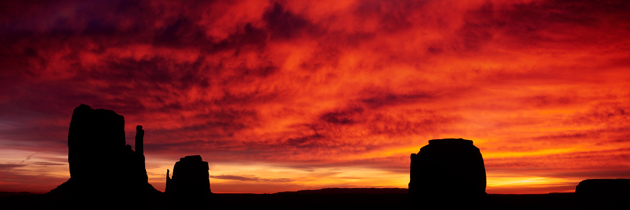 Monument-Valley-Winter-Sunrise-crop