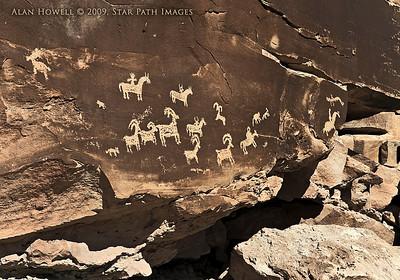 Arches_Petroglyphs_HDR