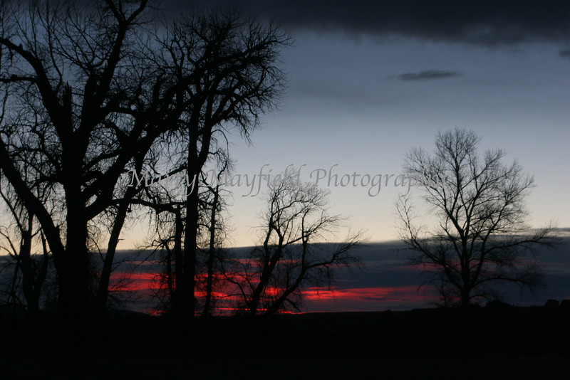 Sunrise near Gardner CO_012
