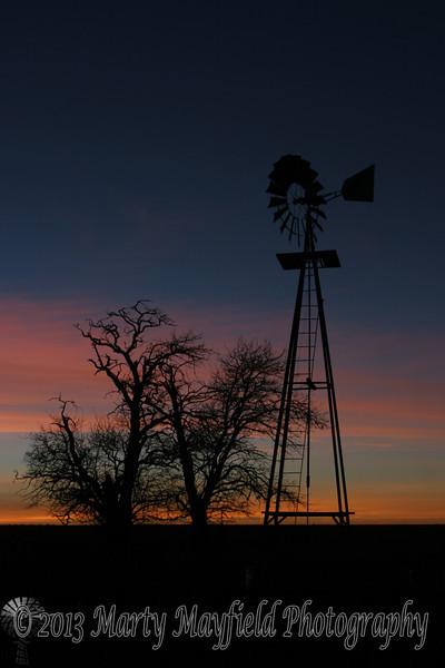Windmill Sunset near Mosquero NM_025