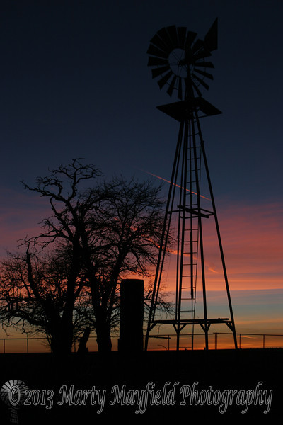Windmill Sunset near Mosquero NM_027