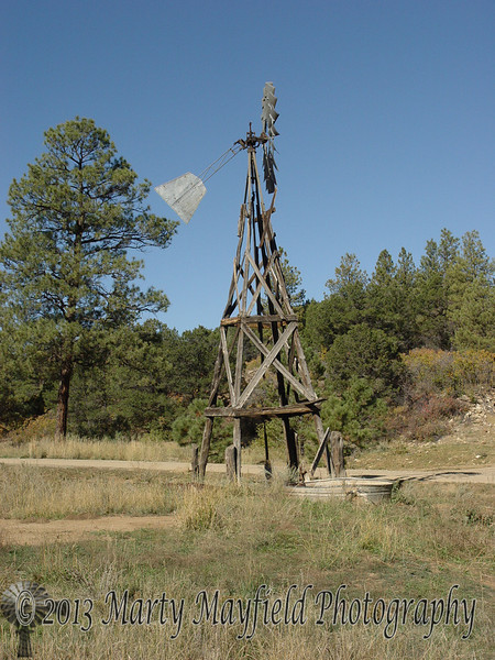 Windmill west of Sarcillo Canyon 0401