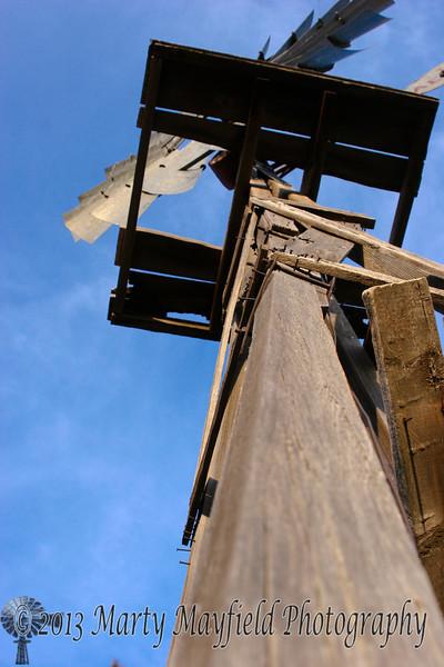 Windmill near Capulin NM_019