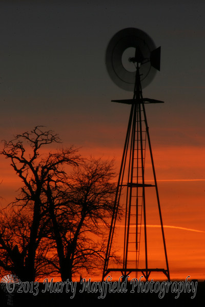 Windmill Sunset near Mosquero NM_036a