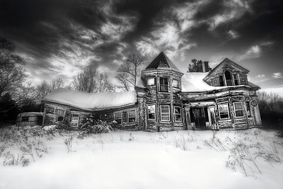 This dilapidated old house still sits on Route 1 in Searsport, Maine looking a bit worse worse for wear than it did a few years ago. Many folks have photographed this well-known landmark over the years. This photo is from early January 2013.