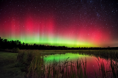 An intense October aurora in central Maine!