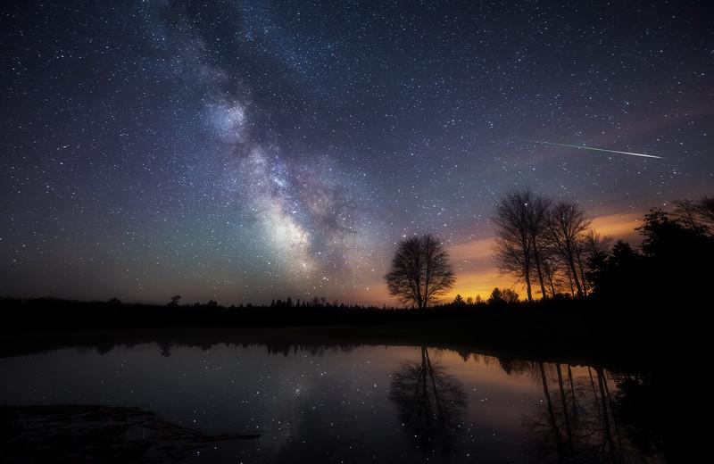 Eta Aquarid & Milky Way Reflections