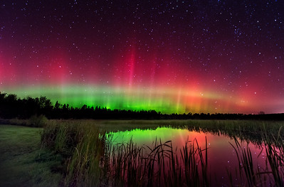 An intense October aurora in central Maine! Part II