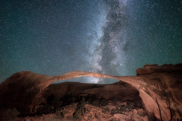 Landscape Arch in Arches NP under the autumn Milky Way.
