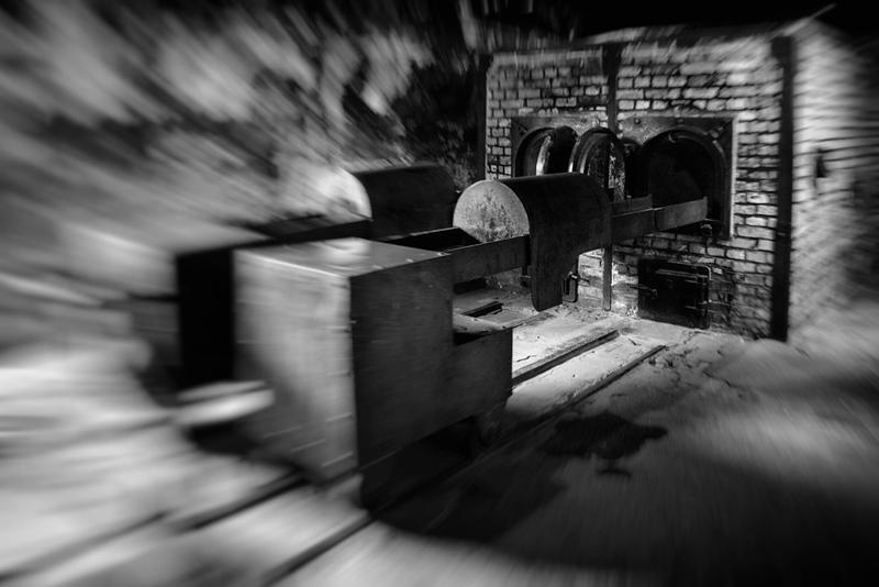 Krematorium und Schienenwagen