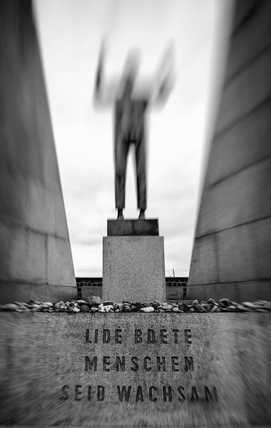 Denkmal der ehemaligen Tschechoslowakei - Menschen seid wachsam