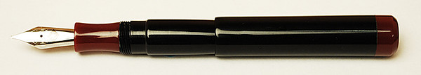 Franklin-Christoph Model 02 Intrinsic Fountain Pen, Classic Black & Maroon, clip less version.